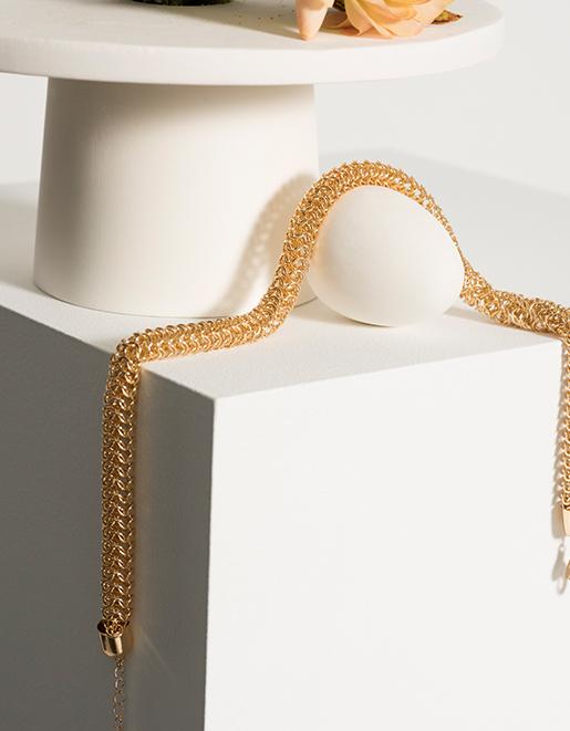 Magasinez les bijoux qui mettent en valeur votre tenue.